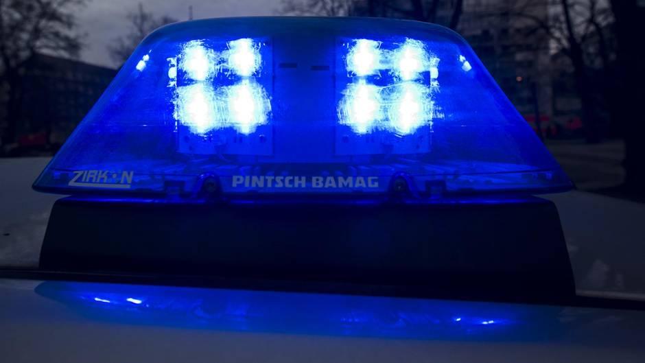 Überfall in Bonn Camperin vor Augen des Freundes vergewaltigt