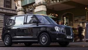 Bekanntes Konzept, modern umgesetzt: Die Aluhaut des neuen London-Taxis orientiert sich stark an den Vorgängern.