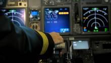Im Cockpit kommt es auf jedes kleinste Detail an - Sprachbarrieren dürfen nicht ablenken. (Symbolfoto)