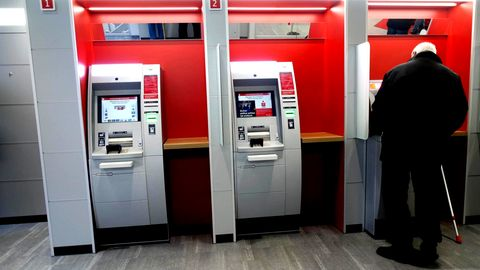 Geldautomaten mit Gebühren