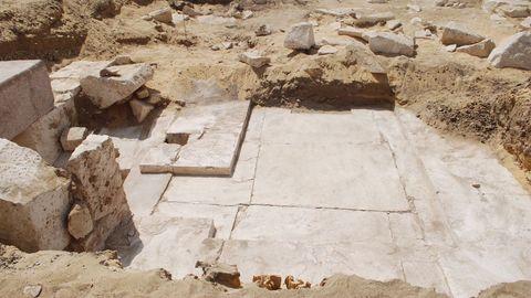 Die Überreste der neu entdeckten Pyramide in Ägypten