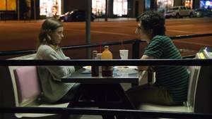 Mickey (Gillian Jacobs) und Gus (Paul Rust) sind verliebt - haben aber auch ihre Schwierigkeiten.