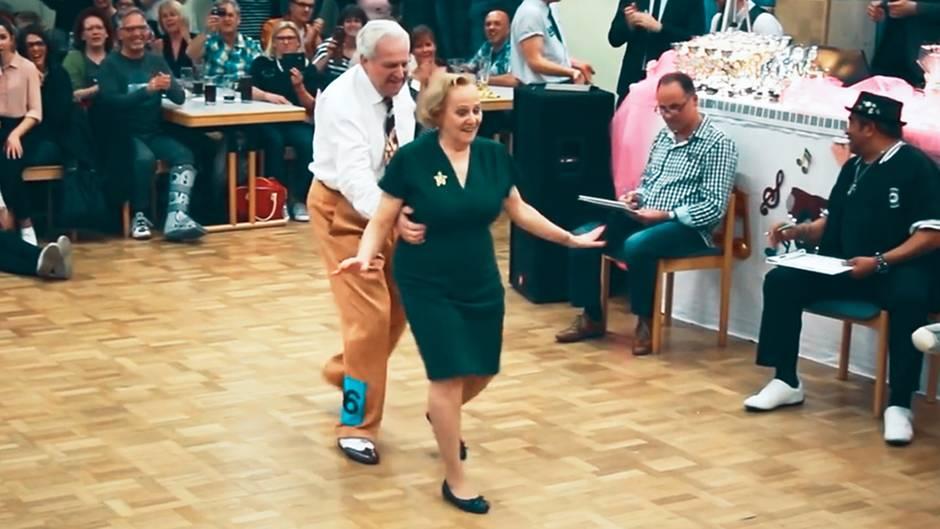 Dietmar und Nellia Ehrentraut aus Durmersheim in Baden-Württemberg: Ihr Tanzvideo wurde mit inzwischen mehr als 62 Millionen Klicks zum viralen Hit im Netz.