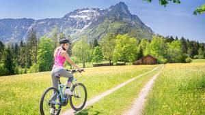 Mit Motor schaffen sportliche Fahrer noch sportlichere Touren.