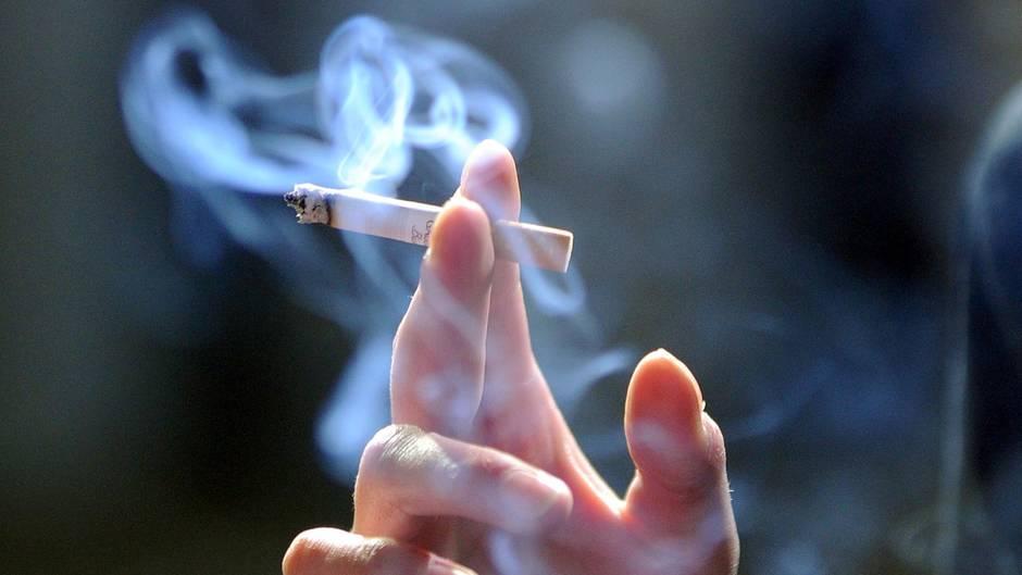Die Auswertung verschiedener Datenbanken ergab, dass 16,3 Millionen Menschen in Deutschland rauchen