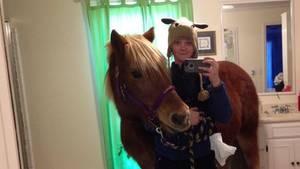 Selfie mit Pferd im Bad