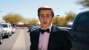 Ein Schüler lädt Emma Stone mit einem Video zum Abschlussball ein