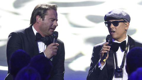 Die Sänger Sasha (links) und Xavier Naidoo waren die diesjährigen Gastgeber der Echoverleihung 2017