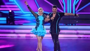In der vierten Show von Let's Dance ist Schluss für die Ex-Eisschnellläuferin Anni Friesinger-Postma