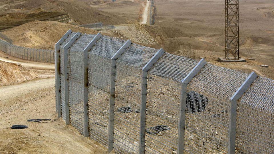 Grenzzaun an der israelisch-ägyptischen Grenze (Symbolbild)