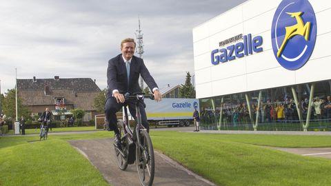 Willem-Alexander, König der Niederlande, besucht die Eröffnung einer neuen Gazelle-Fabrik in Dieren, Holland.