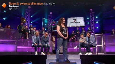 """Szene aus der holländischen TV-Show """"Nimm Deine Badesachen mit"""""""