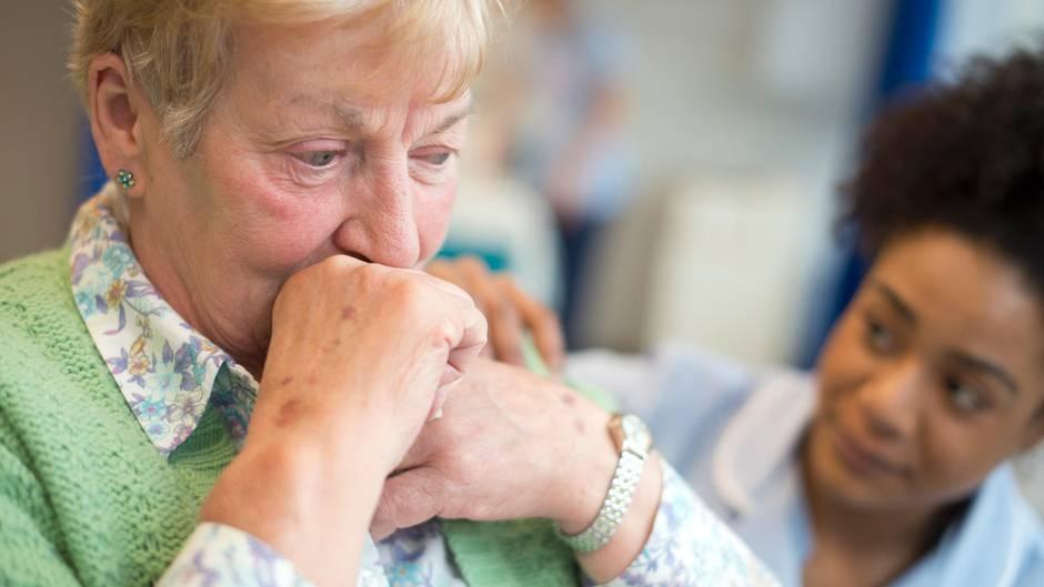 Viele ältere Frauen sind süchtig nach Medikamenten - oft ohne es zu wissen (Symbolbild)