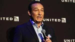 United-Airlines-Chef Oscar Munoz