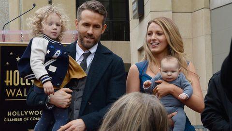 Blake Lively und Ryan Reynolds mit ihren beiden Kindern