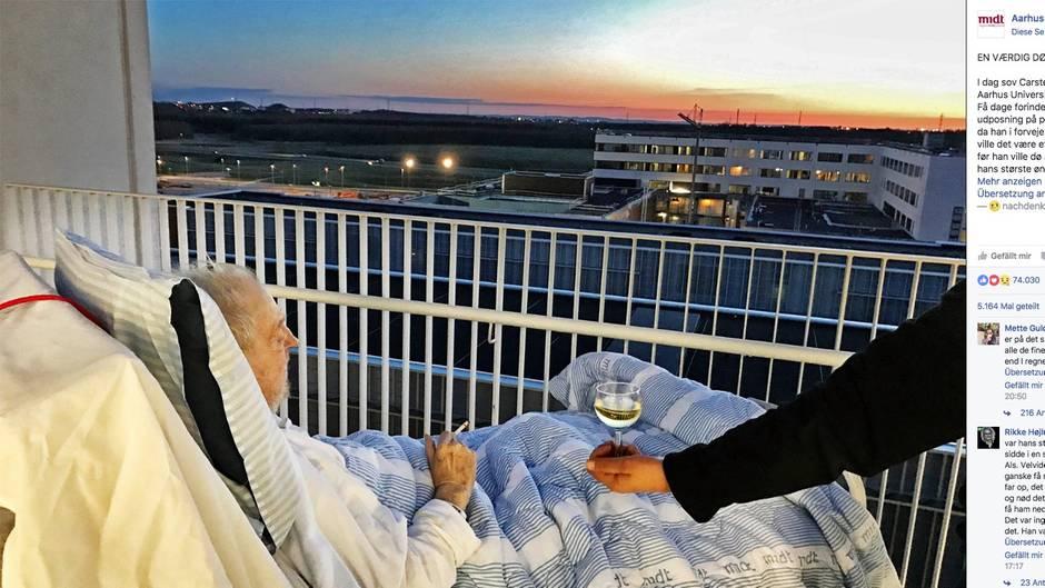 Ein 75-jähriger Däne liegt im Krankenbett und sieht in den Sonnenuntergang