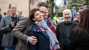 Frauke Patry und Ehemann Marcus Pretzell bei einer Wahlkampfveranstaltung in Essen: Die Zeichen in der AfD stehen auf Krach.