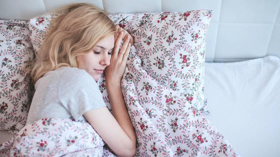 Ausgeruht aufstehen: Das ist die perfekte Schlafenszeit, um morgens erholt aufzuwachen