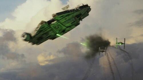 In Star Wars 8: Die letzten Jedi ist ein Millenium Falcon im Kampf zu sehen. Grüne Laserstrahlen treffen ihn an der Unterseite