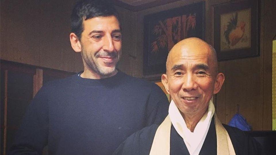 In Japan lebte Simon einige Wochen lang in einem Zen-Kloster.