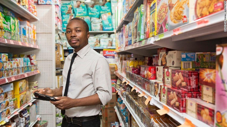 Hungersnot in Westafrika: Wie Oscar mit einer App gegen den Hunger in Nigeria kämpft