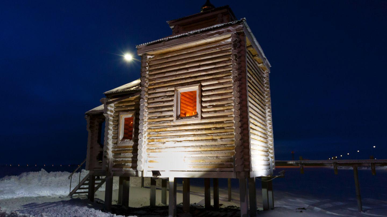 Gemütlicher sieht das Sauna-Häuschen aus.