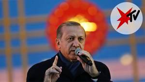 Trotz kritischer Stimmen: Präsident Recep Tayyip Erdogan lässt sich von seinen Anhängern für den Ausgang des Verfassungsreferendums feiern