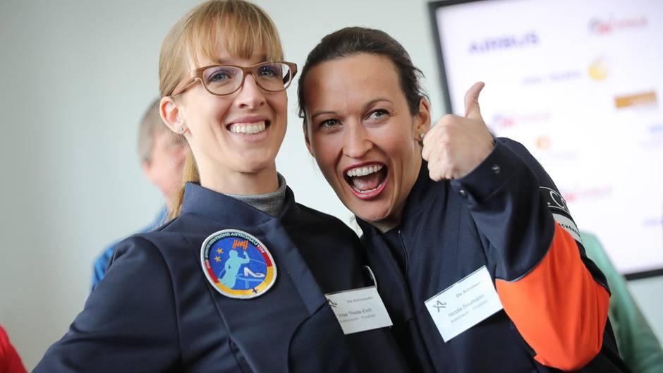 """Flug zur ISS: Die Gewinnerinnen des Wettbewerbs """"Die Astronautin"""" Insa Thiele-Eich (links) und Nicola Baumann."""