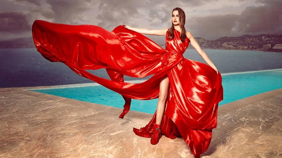 Die Tochter von Claudia Effenberg modelt auf Mallorca für das Label Marcel Remus Design