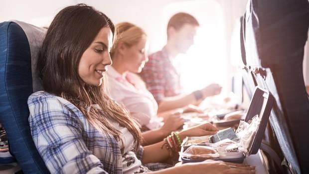Aufgetischt: Nur noch bei Langstreckenflügen sind Essen und Getränke im Flugpreis inbegriffen.