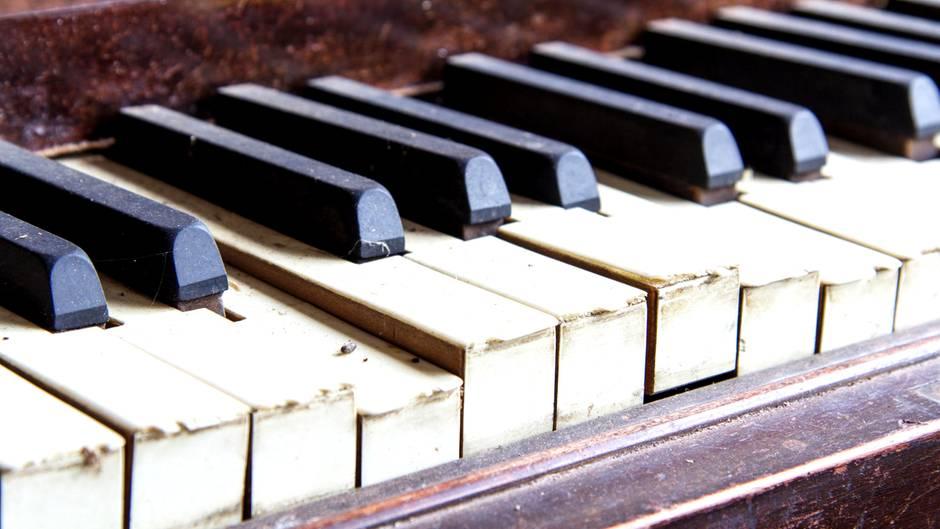 Schatz unter Klaviertasten entdeckt