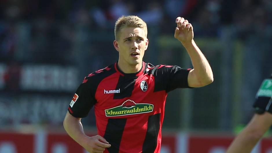 Bundesliga Freiburg gegen Leverkusen: Nils Petersen jubelt