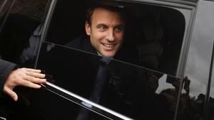 Emmanuel Macron im Auto