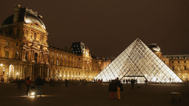 Glaspyramide des Louvre, Paris