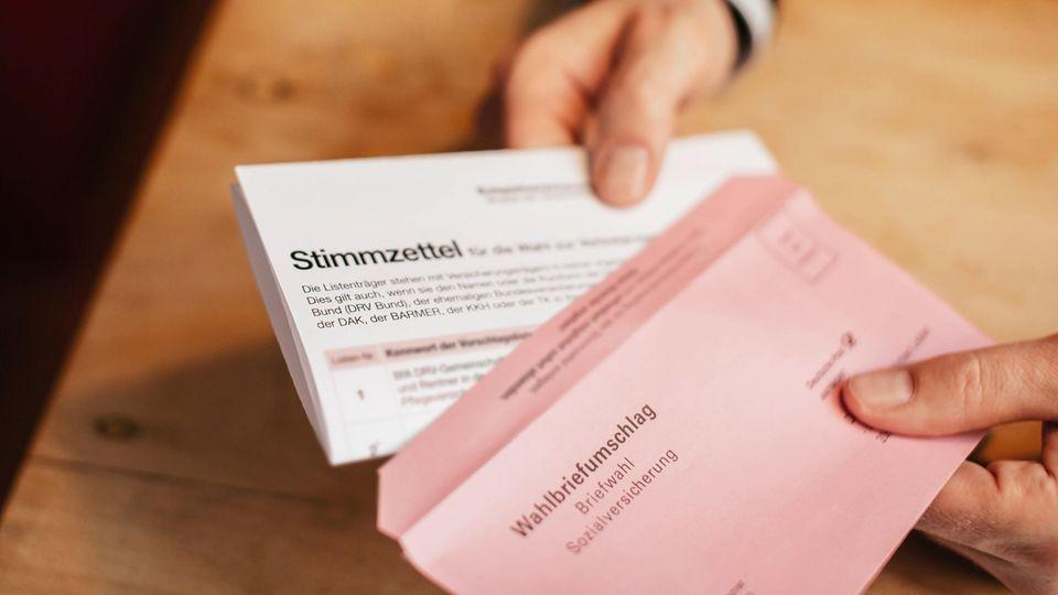 Zur Sozialwahl 2017 sind rund 51 Millionen Versicherte und Rentner aufgerufen