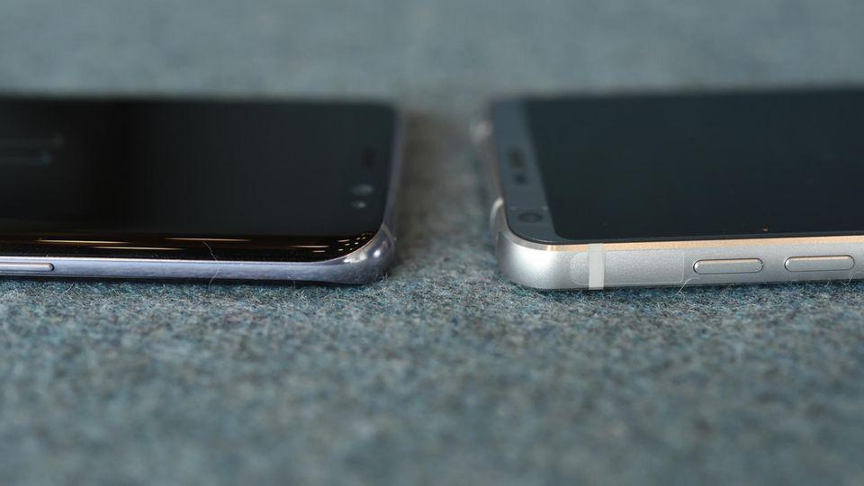 LG G6 und Samsung Galaxy S8 liegen nebeneinander