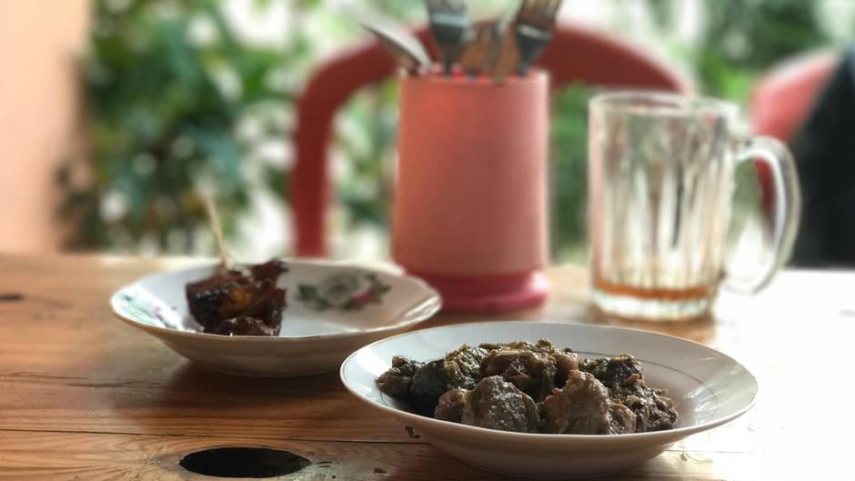appetit auf den besten freund des menschen in indonesien isst man hund. Black Bedroom Furniture Sets. Home Design Ideas