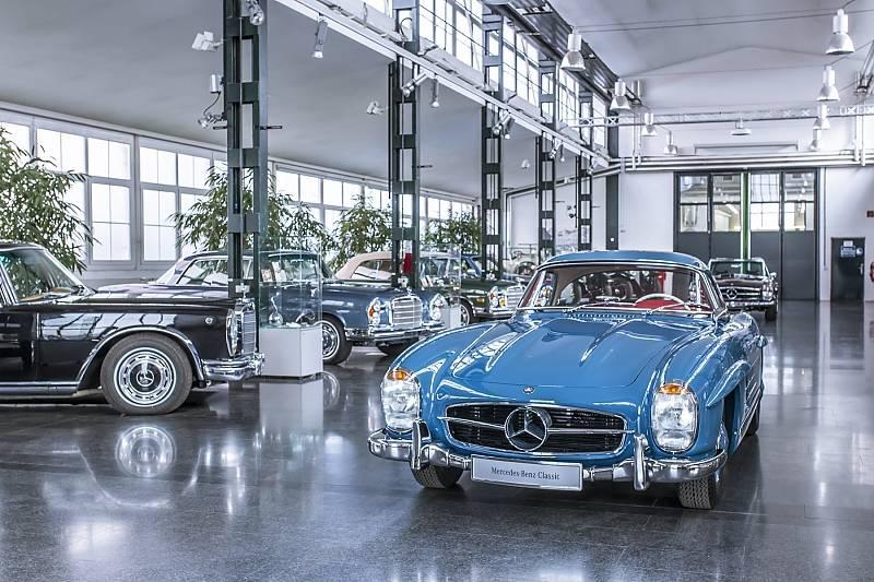Mercedes classic center fellbach millionenspiel for Mercedes benz classic car center
