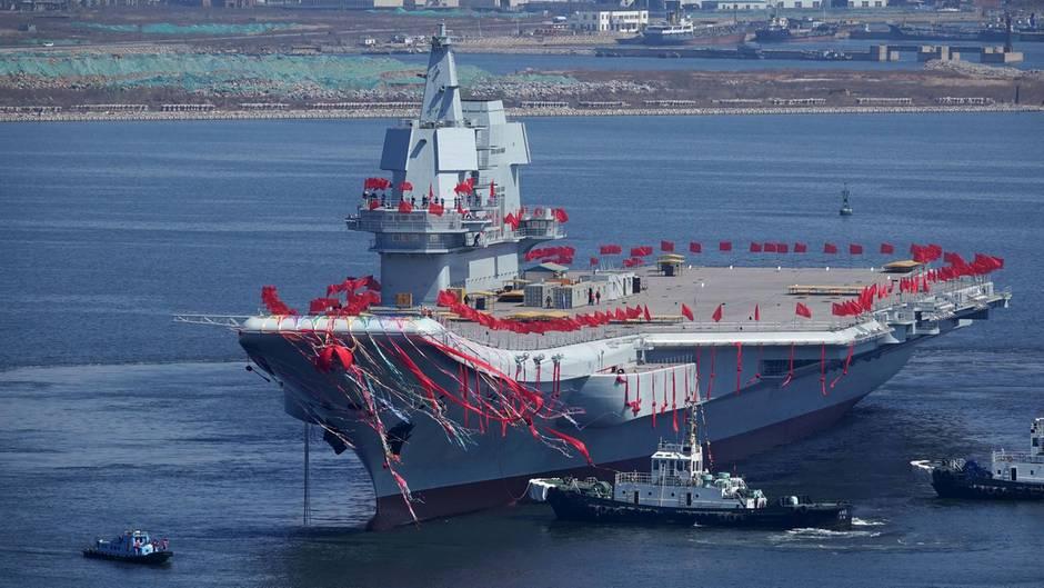 Aufrüstung zur See: Chinas erster selbst gebauter Flugzeugträger ist fertig