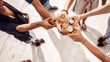 Viele Studenten trinken mehrmals wöchentlich Alkohol - nicht nur in kleinen Mengen