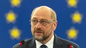 Unangenehme Neuigkeiten für SPD-Kanzlerkandidat Martin Schulz: Das EU-Parlament stellt die Personalpolitik infrage.