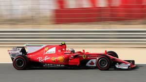 Kimi Räikkönen im Ferrari auf einer Trainingsfahrt in Bahrain