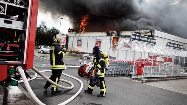Brand eines Baumarktes in er-Erkenschwick im Ruhrgebiet