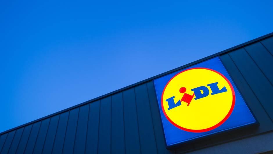 Vor einem Supermarkt der Kette Lidl ereignete sich das schreckliche Verbrechen (Symbolfoto)