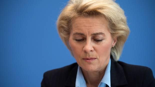 Bundesverteidigungsministerin Ursula von der Leyen (CDU) bekommt für ihre Äußerungen zur Bundeswehr Gegenwind (Archivbild)