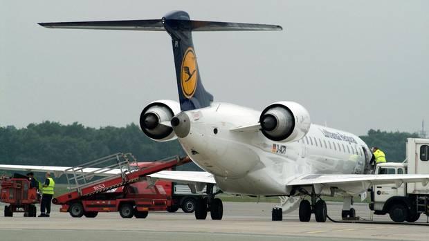 Canadair CRJ 900.