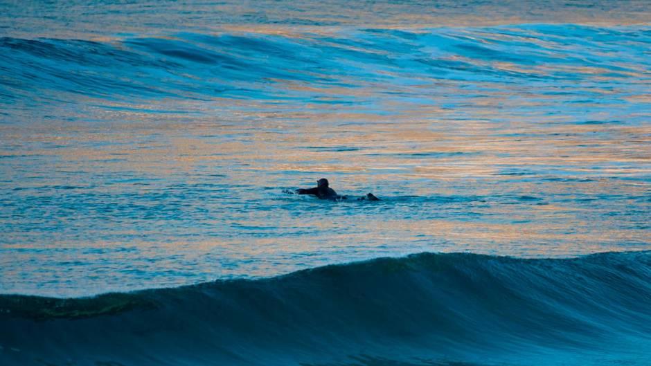 Surfer im Nordatlantik