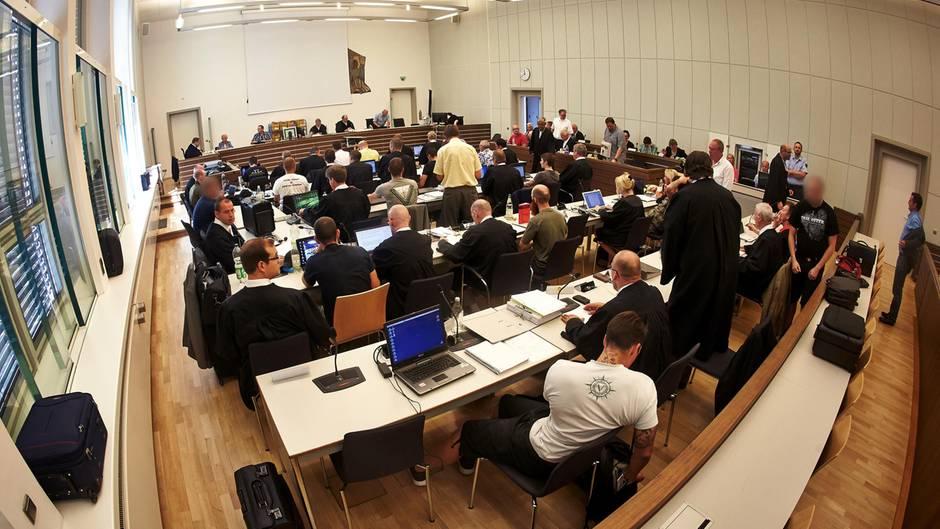Die Prozessbeteiligten im Koblenzer Neonazi-Prozess