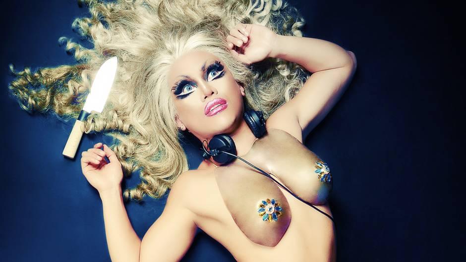 Travestie-Künstler hautnah: Drag Queens - mit erhobenem Haupt und High Heels