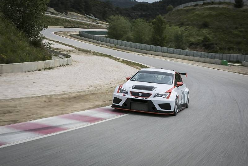 Der Seat Leon Cup Racer 2017 schafft 267 km/h Spitze